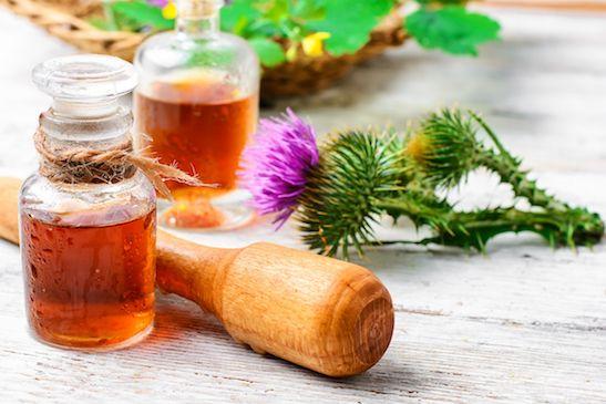 Haarkur aus Klettenwurzelöl, Rizinusöl und Olivenöl