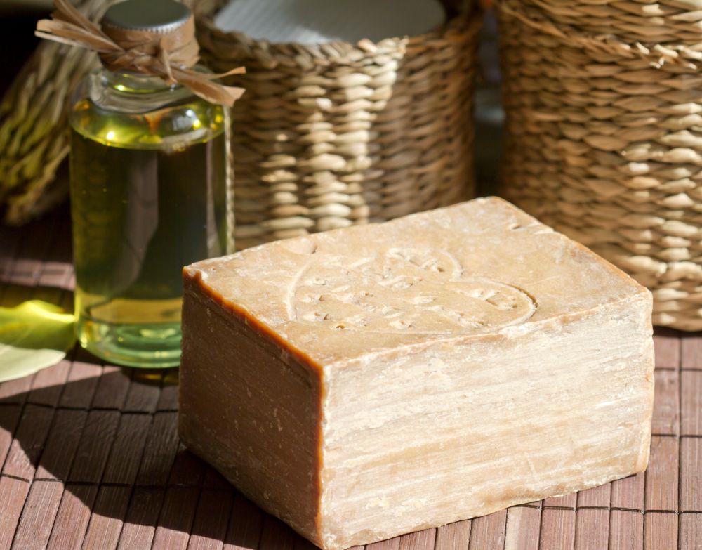 Alepposeife aus Olivenöl und Lorbeeröl