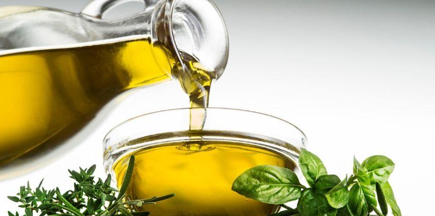 Olivenöl pur für die Haare