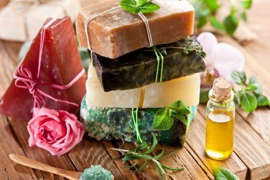 DIY Seife aus Bio Kernseife und Ölen wie Kokosöl